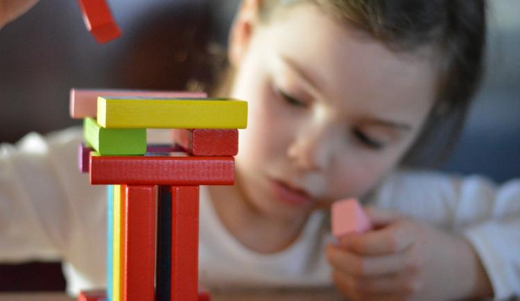 Do některých určených školek v kraji zatím děti nenastoupily. Rodiče nestihli vyřídit administrativu