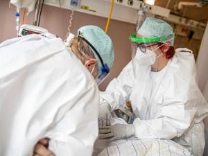 Nemocnice Vysočiny musely zvýšit kapacity pro lidi s covidem. Přijaly i pacienty z jiných krajů