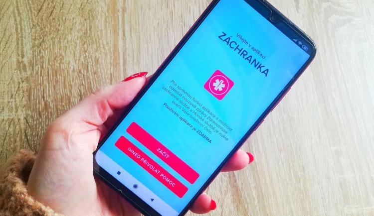 Aplikace Záchranka dnes slaví 5. narozeniny, začala jako bakalářská práce. Pomohla 64 tisícům lidí