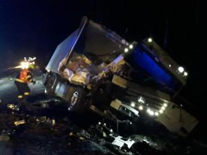 Dopravu na Vysočině komplikuje čerstvý sníh, D1 směrem na Brno byla uzavřena kvůli nehodě