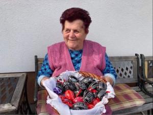 Již 80 let vytváří škrábáním unikátní kraslice. Záleží na zručnosti a trpělivosti, říká Marie Jakubíčková