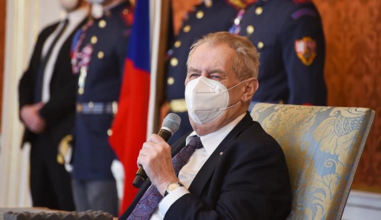 Zeman jmenoval nového ministra zdravotnictví. Blatný podle prezidenta nese spoluzodpovědnost za mrtvé