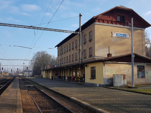 Jihlavské městské nádraží je blíž modernizaci. Správa železnic získala povolení