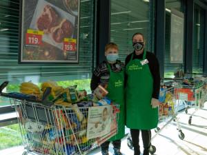 Jarní potravinová sbírka: Lidé v Jihlavě pomohou matkám samoživitelkám nebo lidem bez domova