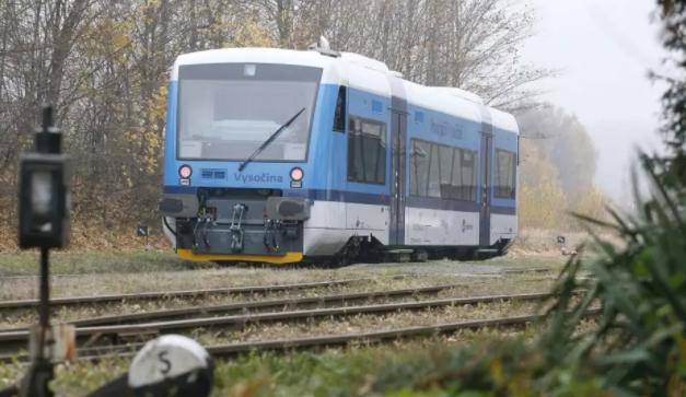 Vlaky na trase Jihlava – Znojmo jezdí na den přesně už 150 let. Výročí se musí obejít bez oslav