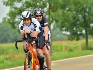Nevidomý sportovec z Vysočiny chce v tandemu zvládnout Tour de France. Výzva má i dobročinný podtext