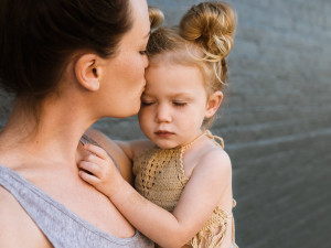 Dnes je Den matek. Jeho kořeny v Československu sahají až do roku 1923