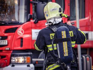 Na Jihlavsku hořela chata. Příčinou požáru byla neopatrná manipulace s bruskou
