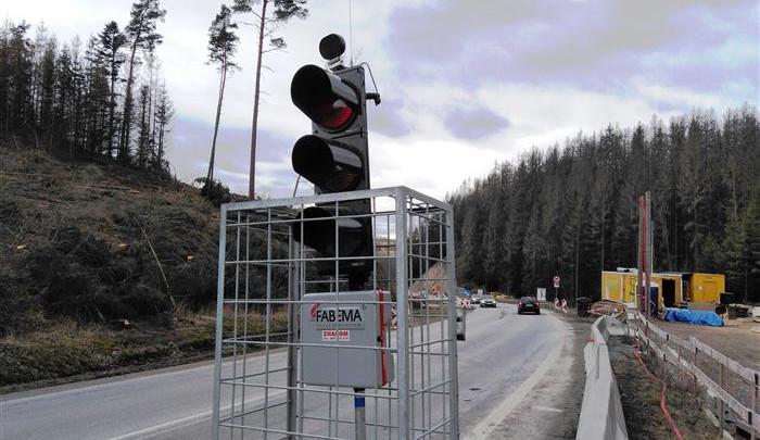 Pozor, na silnici I/38 budou od pondělí semafory. Důvodem je oprava kanalizace