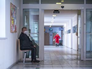 Krizový štáb Vysočiny: Cizinci se budou očkovat v Hruškových Dvorech, pozitivně testováno bylo 131 žáků