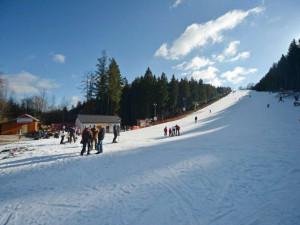 Ani jeden den lyžování, tržby nulové. Město proto provozovateli Šacberku odložilo splátku nájemného