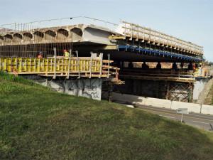 Rekonstrukce mostu na D1 u Bíteše jde podle plánu. Prohlédněte si aktuální stav prací