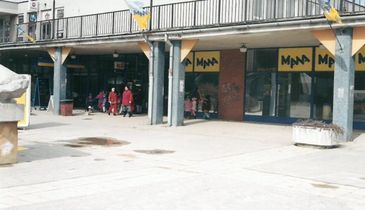 Před třiceti lety se v Jihlavě otevřela Mana, první supermarket v Československu