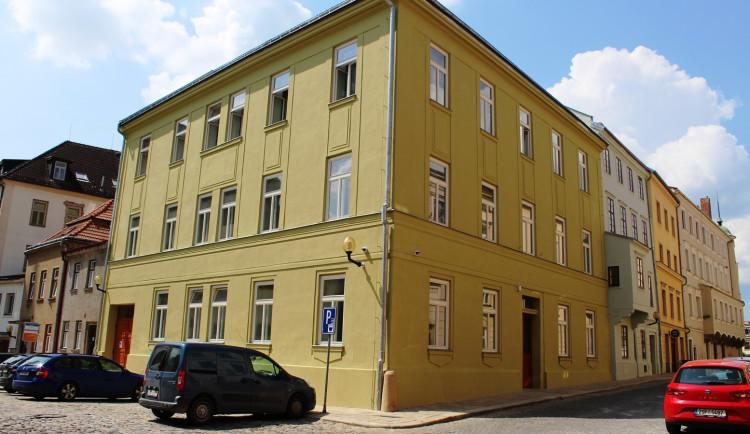 Historické domy v jihlavské ulici U Mincovny jsou opravené. Podívejte se, jak to uvnitř vypadá