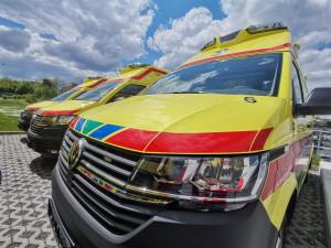 Záchranáři na Vysočině budou k pacientům vyjíždět novými sanitkami s designovými světly na střeše