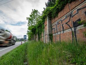 Obyvatelům Pávova se uleví, začne stavba protihlukové stěny. Jaká omezení čekají na řidiče?