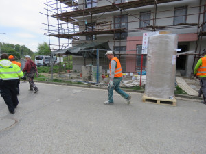 Dvaadvacet dělníků načerno rekonstruovalo dům. Od začátku roku takto pracovala půlka kontrolovaných lidí