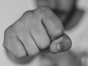 Ženu v Jihlavě obtěžoval její bývalý přítel. Zranil ji a vyhrožoval jí smrtí