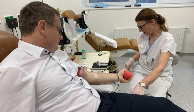 Dnes je Světový den dárců krve. Na tom, jestli někdo prodělal covid, nezáleží, říká hematoložka