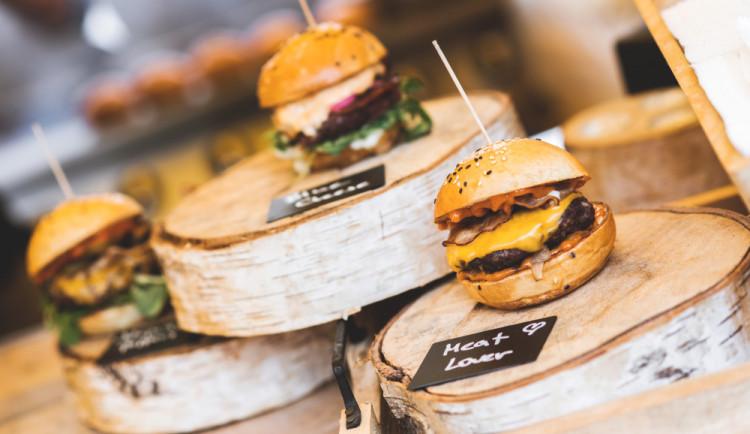 O tomto víkendu to rozpálíme ještě víc! Burger street festival nabídne dobroty všeho druhu