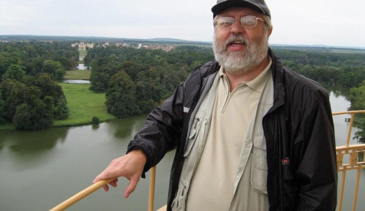 Bohuslav z Jihlavy si myslel, že má třísku, byla to ale roztroušená skleróza. Důležité je nebrat se moc vážně, říká