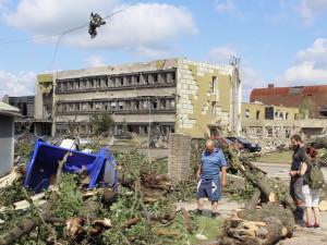 Jak pomoci postiženým katastrofou? Sbírkou, oblečením i lístky na koncert