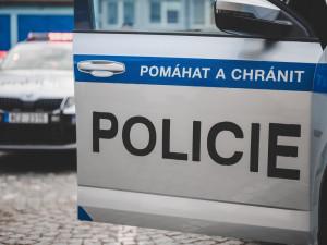 Policie hledá vandala, který v Jihlavě poškodil zaparkovaného Volkswagena