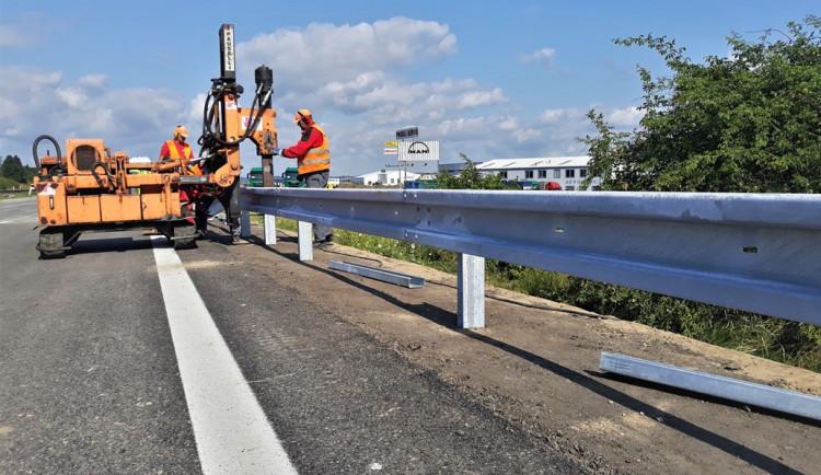 Dálniční most u Bíteše řidiči otestují už v pondělí. Nyní se dělají dokončovací práce