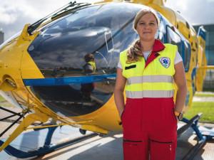 (NE)OBYČEJNÍ: Jako matce se mi u dětí zasahuje mnohem hůř, říká letecká záchranářka v Jihlavě Jiřina Petrová