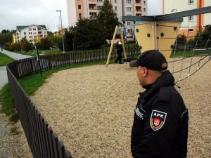 Čtyři asistenti prevence kriminality působí v Jihlavě už rok. Spolu s policií monitorují veřejný pořádek