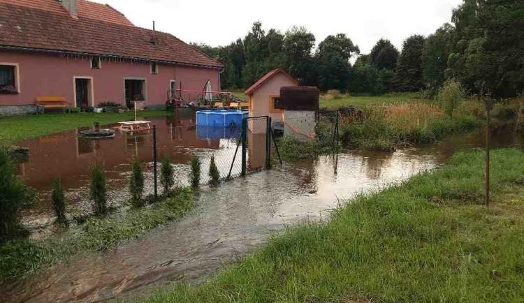 Hasiče Vysočiny zaměstnala další bouřka. Evakuovali lidi kempující u potoka i dětský tábor