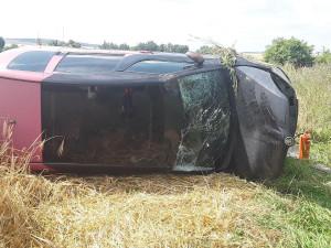 Vrtulník zasahoval u nehody osobního auta, jeho řidič skončil v jihlavské nemocnici