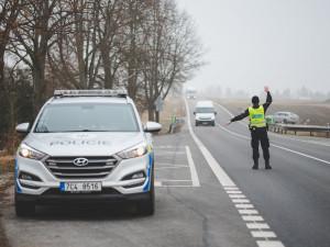 Policisté zastavili mladého řidiče. Z kontroly si odnesl pozitivní test na marihuanu a kokain