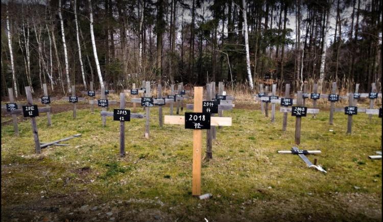 O údržbu Památníku obětem nehod D1 u Pávova se postará Ředitelství silnic a dálnic