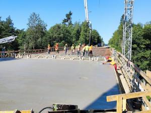 Rekonstrukce mostu na silnici II/602 pokročila. Podívejte se, jak to na místě vypadá