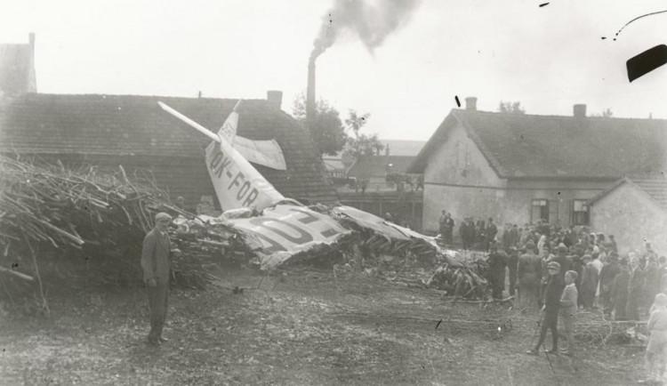 Dnes si připomínáme nejhorší leteckou katastrofu meziválečné ČSR. V Bedřichově zemřelo 12 lidí