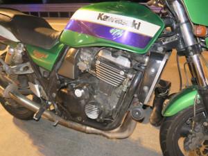 Provoz na D1 zastavila nehoda dvou motorek. Řidič, který ji zavinil, dal první pomoc zraněnému motorkáři