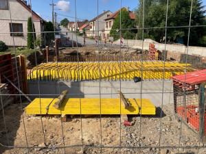 Řidiči by se po novém mostě v Předíně měli projet už na konci října