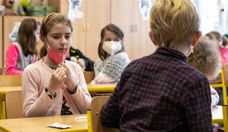 Testování na jihlavských školách neodhalilo jediného pozitivního žáka. Jediná komplikace byla na ŽS Demlova