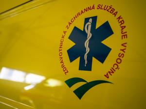 Záchranáři ráno vyjížděli k tragické dopravní nehodě s požárem. Řidič v osobním autě zemřel