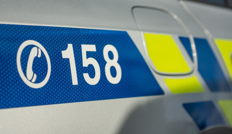 Policisté hledají ženu, která se srazila s nezletilým cyklistou. Skončil v nemocnici