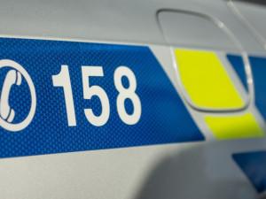 Osmnáctiletý řidič byl opilý a boural v Nových Domkách. Navíc nemá řidičák, auto si půjčil bez vědomí majitele