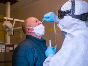 Hrazených testů na covid na Vysočině v srpnu přibylo. Cena se dostala skoro na 900 tisíc