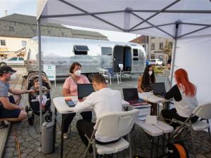 PŘEHLED: Lidé na Vysočině stojí o mobilní očkování. Je již známá třetí trasa karavanu