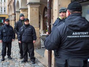 Třebíč přijala romské asistenty prevence kriminality. V Jihlavě se osvědčili
