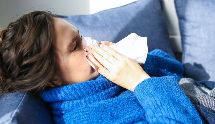 Počet respiračních chorob na Vysočině stoupl nad práh epidemie. Uzavřel se dům seniorů v Bíteši