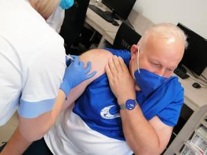 PŘEHLED: Třetí posilující vakcínu proti covidu na Vysočině podá bez registrace i mobilní očkovací tým