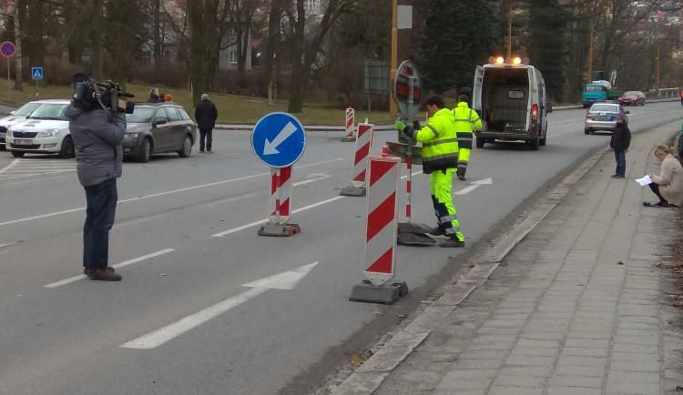 Uzavření Brněnského mostu z důvodu rekonstrukce, duben 2017