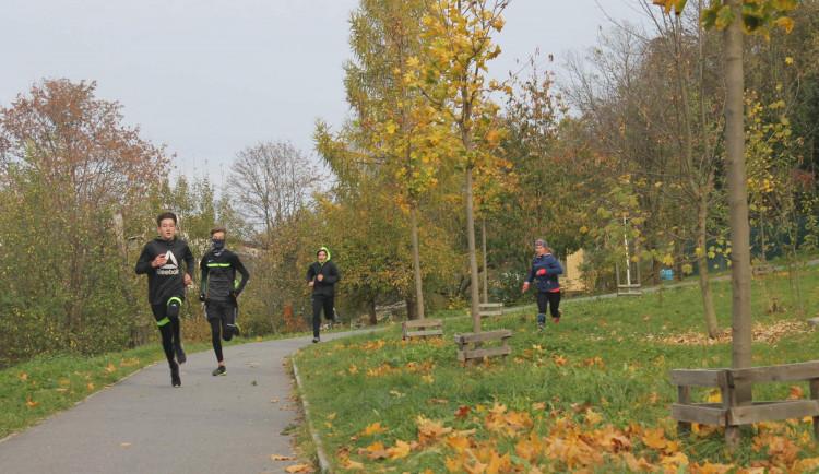 Žáci jihlavských škol si na Heulose vyzkoušeli branný běh. Na jaře již s účastí veřejnosti