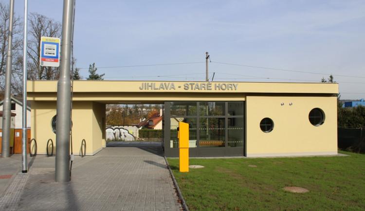 Jihlava má nový dopravní terminál Na Dolech